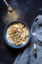 Chicken Fatteh, libanese chicken salad with chickpeas, jogurt, fried flat bread and za'atar - SBDF03921