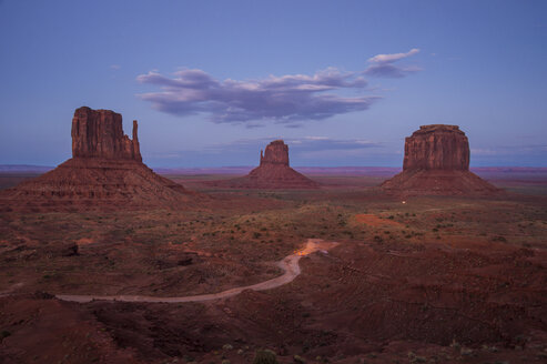 USA, Arizona, Monument valley in the evening - RUNF01734