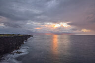 USA, Hawaii, Big Island, Volcanoes National Park, Pacific Ocean, lava coast at sunrise - FOF10548