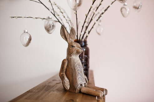 Wooden Easter bunny on a shalf - KMKF00807