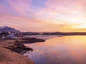 Iceland, Hoefn, townscape at sunrise - TAMF01251