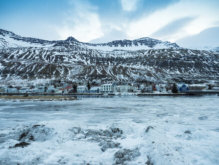 Iceland, Fjardara, the seal resting place with mountains of the it in winter with ice and snow - TAMF01263