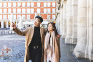 Spain, Madrid, young couple exploring the city - WPEF01480