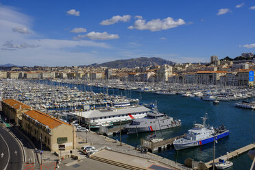 France, Marseille, small ferry at the old harbour - LBF02557