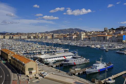 kleine Fähre am Alten Hafen, Vieux Port, Altstadt, Marseille, Provence-Alpes-Côte d'Azur, Frankreich - LBF02557