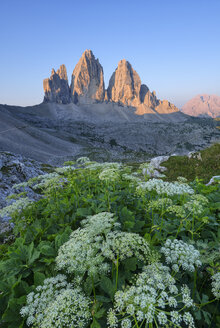 Italy, Sexten Dolomites, Tre Cime di Lavaredo at sunrise, Nature Park Tre Cime, Unesco World Heritage Natural Site - RUEF02142