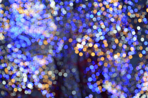 bokeh; blurred blue and orange light reflections. munich; bavaria; germany - AXF00815