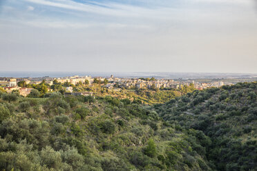 Italy, Sicily, View to Noto - MAMF00525