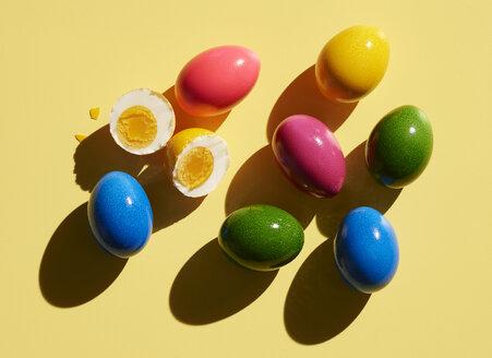 Motiv: Ostereier, Ostern, Eier, Bunte Eier, Egg, gekochte Eier, Rot, Blau, Pink, Lila, Grün - KSWF02027