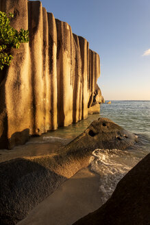 Seychelles, La Digue, Anse Source D´Argent, granite rocks at sunset - NDF00899