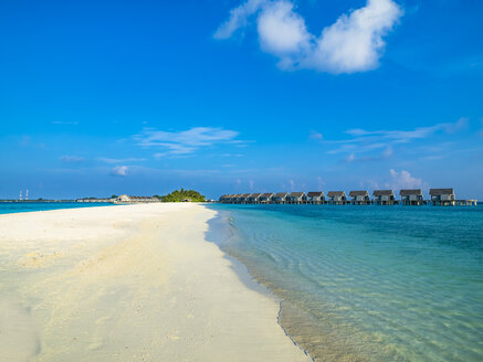 Maledives, Ross Atoll, water bungalows at the beach - AMF06901