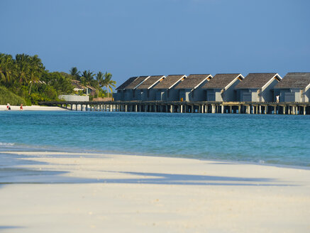 Maledives, Ross Atoll, water bungalows at the beach - AMF06904