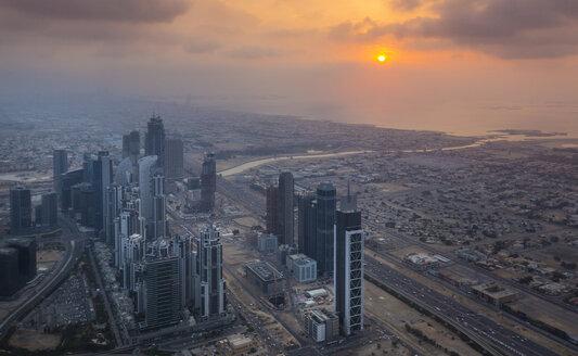 United Arab Emirates, Dubai, cityscape with Sheikh Zayed Road at twilight - HSIF00496