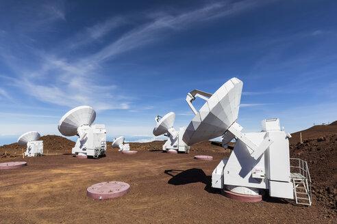 USA, Hawaii, Mauna Kea volcano, telescopes at Mauna Kea Observatories - FOF10666