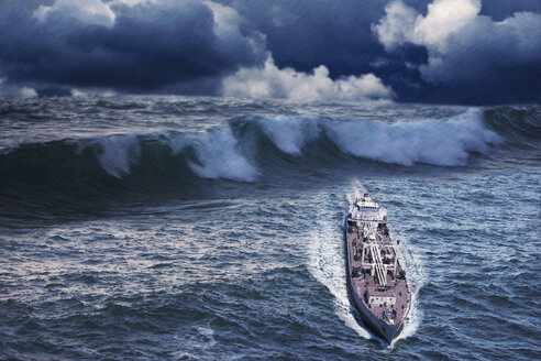Enormous waves behind freighter - BLEF00714