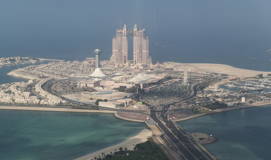 Aerial view of waterfront cityscape - BLEF01660