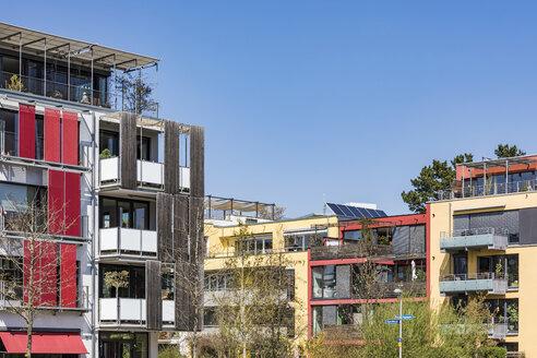 Germany, Tuebingen, Muehlenviertel, modern residential zero-energy houses - WDF05254