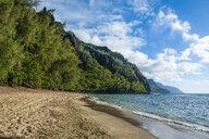 USA, Hawaii, Kauai, Kee Beach on the Na Pali coast - RUNF01930