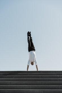 Barcelona, Spain. unusual, acrobat, surprise, concept... - AFVF02863