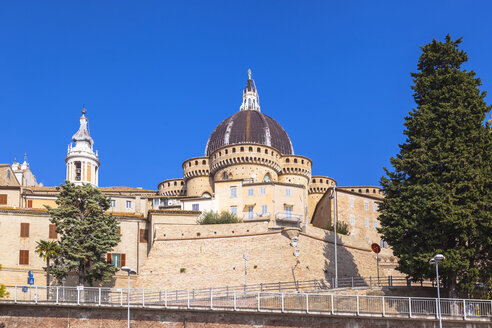 Italy, Le Marche, Loreto, Basilica della Santa Casa in the city center - FLMF00189