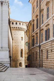 Italy, Le Marche, Loreto, alley next to Basilica della Santa Casa in the city center - FLMF00198