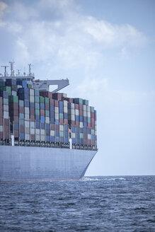 Spanien, Andalusien, Strasse von Gibraltar, Großes Containerschiff auf See, - KBF00603