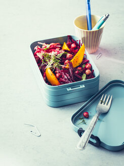 Beetroot salt with chickpeas and mango fruit in the lunchbox - PPXF00192