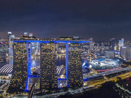 Singapore, Marina Bay Sands Hotel at night - TOVF00123