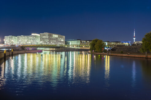 Germany, Berlin, view to lighted modernd builings near Spree River - TAMF01387