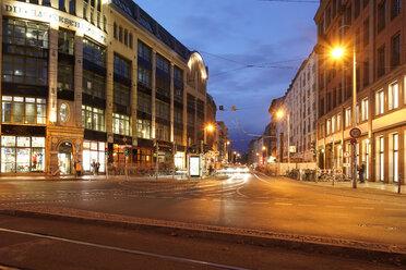 Germany, Berlin, Hackesche Hoefe by night - TAMF01417