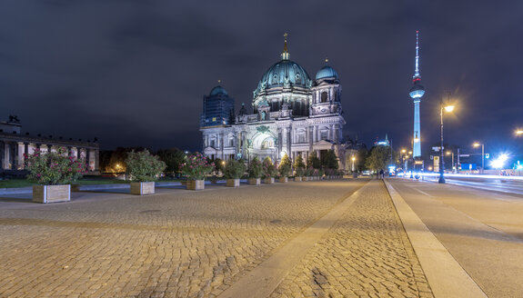Germany, Berlin, view to lighted Berlin Cathedral and television tower - TAMF01423