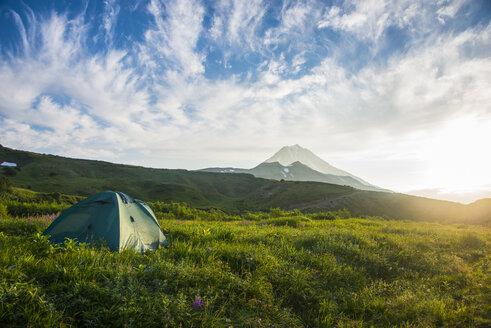 Russia, Kamchatka, camping below Vilyuchik volcano - RUNF01974