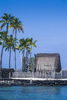 Hawaii, Big Island, Puuhonua o Honaunau National Historical Park, royal grounds - RUN01991