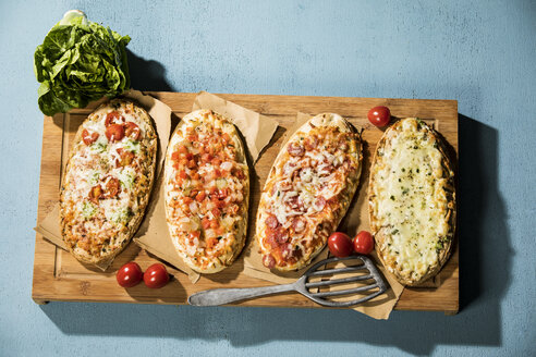 Rustic pizza breads - MAEF12865