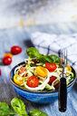 Zoodles salad with tomatoes and basil - SBDF03949