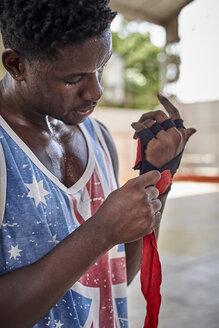 Boxer applying bandages - VEGF00179