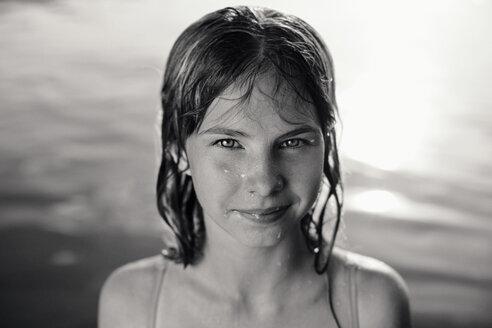 Portrait of Caucasian girl in lake - BLEF03357