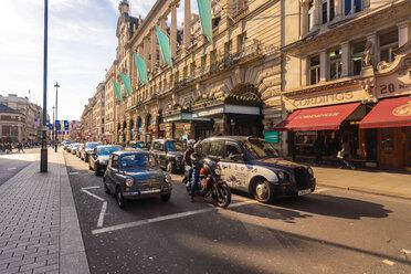 UK, London, street at Picadilly Circus - TAM01472
