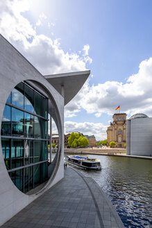 View to Reichstag with Marie-Elisabeth-Lueders-Building in the foreground, Berlin, Germany - PUF01482
