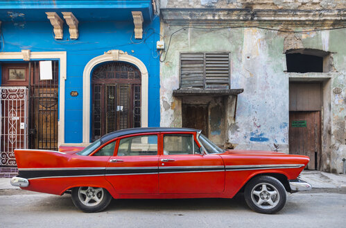 Parked red vintage car, Havana, Cuba - HSIF00611