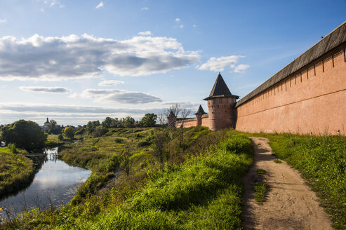 the kremlin of the Unesco world heritage sight Suzdal, Golden ring, Russia - RUN02140