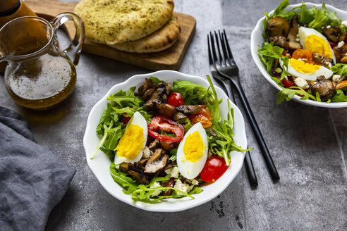 Rocket salad with fried champignons, hard-boiled egg, tomatoes and feta - SARF04288