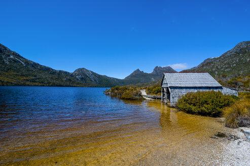 Dove Lake and Cradle Mountain, Tasmania, Australia - RUNF02150