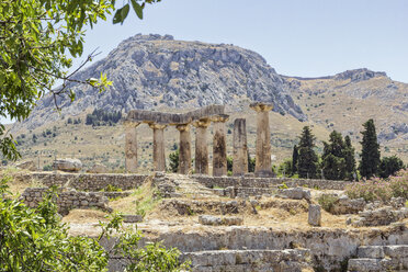 Archaic Temple of Apollo, Dorian columns, Corinth, Greece - MAMF00694