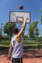 Young man playing basketball - MGIF00518