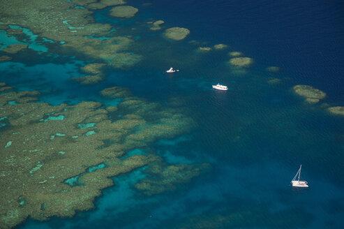 Aerial view of the great barrier reef, Queensland, Australia - RUNF02242