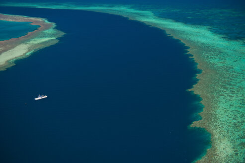 Aerial view of the Great Barrier Reef, Queensland, Australia - RUNF02245