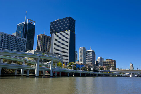 Downtown Brisbane with the Brisbane river, Queensland, Australia - RUNF02278