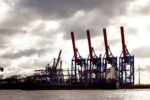 Harbour cranes at Port of Hamburg, Hamburg, Germany - PUF01537