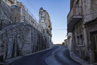 Narrow house at a road, Ragusa, Sicily, Italy - MAMF00750
